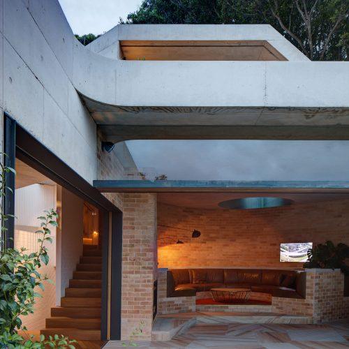 Wood Fired Cream Bricks - Neeson Murcutt Architects
